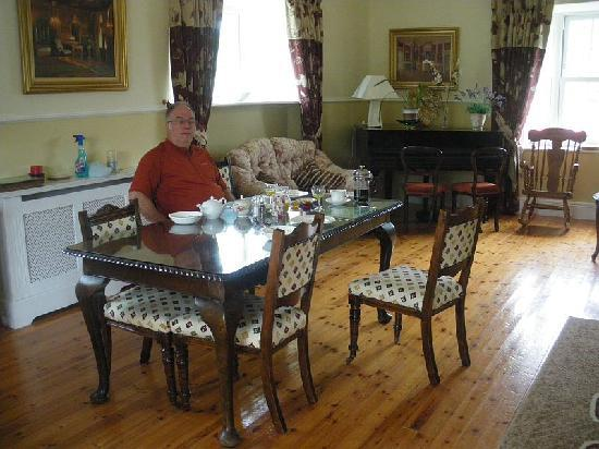 Wandesforde House B&B: Me in the dining room for a scrumptious breakfast.