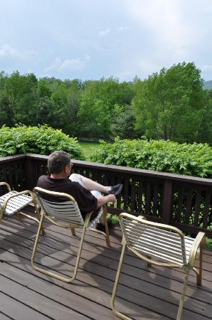 Manchester, VT: Enjoying the beautiful view...how relaxing!