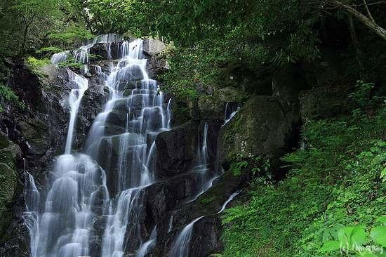 Itoshima, Japonya: 白糸の滝