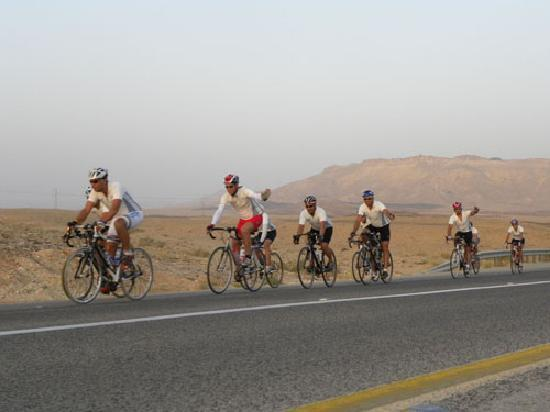 iBex (iBike) Unique Desert Inn: Road bikers