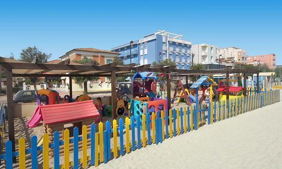 Marotta, Italie : Spiaggia Hotel Dinarica