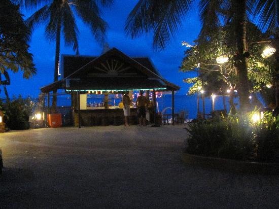 Chaweng Buri Resort: Great beach bar