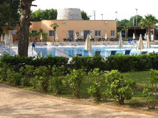 Dolmen Sport Resort: piscina