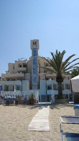 Saline Hotel: hotel saline dalla spiaggia