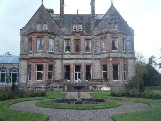 Castle Leslie Estate : Rear of the castle