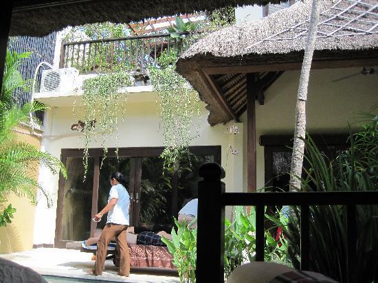 Sekar Taman I Villas: in house massage
