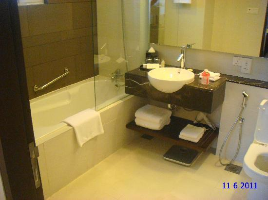 Master Bedroom Toilet master bedroom toilet - picture of parkroyal serviced suites kuala