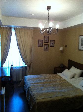 Admiralteyskaya Hotel: the bedroom