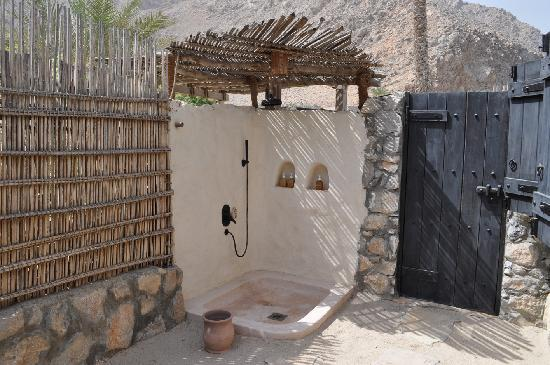 Zighy Bay, Oman: Outdoor shower