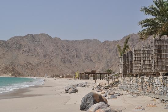 Zighy Bay, Oman: View towards Zighy Village