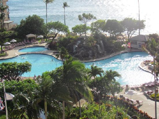 Ka'anapali Beach Club: view from room (pool mostly)