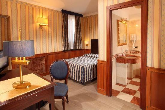 Hotel Del Corso: Superior Single Room