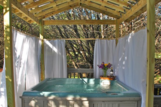 Cypress Creek Cottages: Every Cottage & Cabin Has A Private Hot Tub