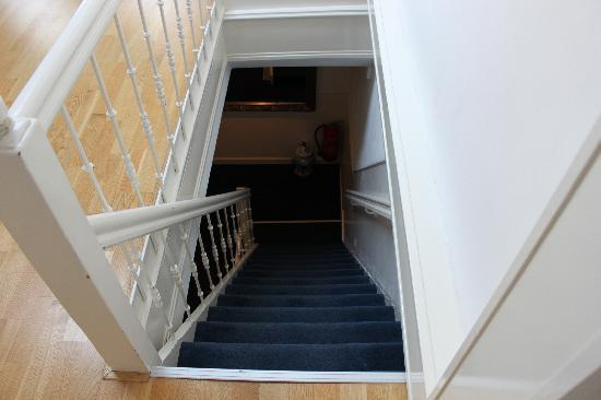 Bed & Breakfast Adriaen van Ostade: the stairs from above