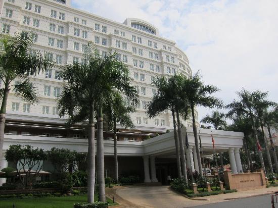 Park Hyatt Saigon: hotel front