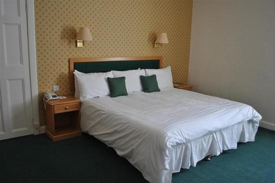 Peebles Hydro: room 104