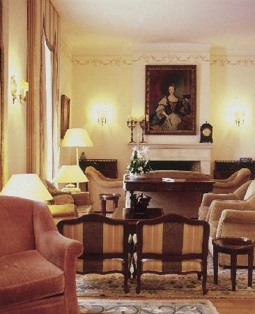 Pousada de Queluz Palace Hotel: Living room