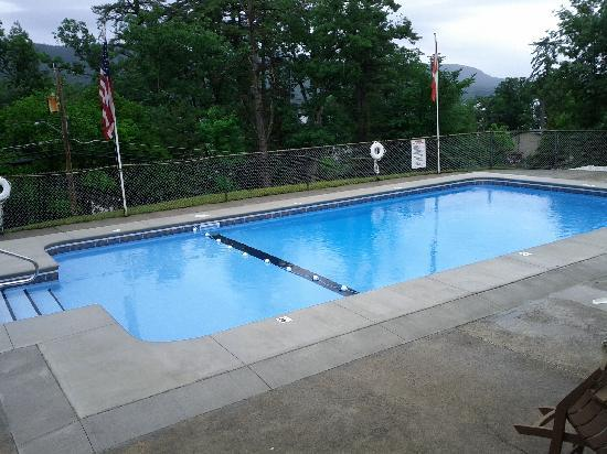 Gentleman Johnny's Motel: Our Newly Renovated Pool