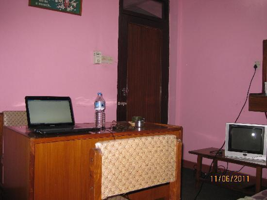 Hotel Silver Home: Deluxe room