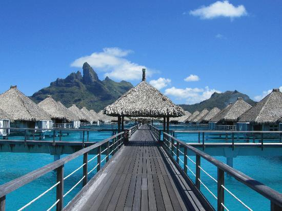 The St. Regis Bora Bora Resort: Bungalows