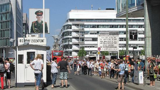 Berlin, Almanya: Check point Charlie
