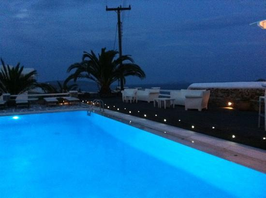Anemoessa Boutique Hotel: the pool at night