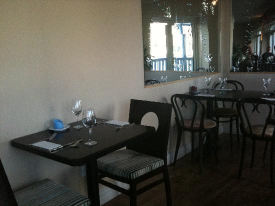 Penang Garden: Tables