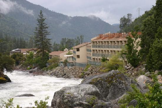 room 1063 view 2 picture of yosemite view lodge el. Black Bedroom Furniture Sets. Home Design Ideas