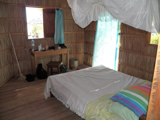Ecolodge du Menabe: Bedroom with One of Cottage Doors