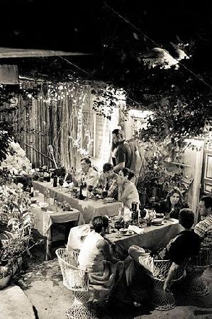 Lolo Lorena: Beautiful dinner party garden...