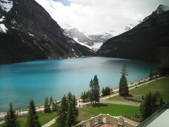 Fairmont Chateau Lake Louise: View from Room 705