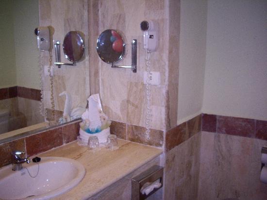 Grand Bahia Principe Bavaro : cuarto de baño