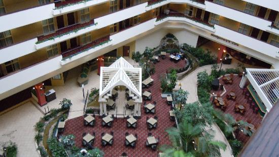 Embassy Suites by Hilton Hotel & Montgomery Conference Center: Breakfast/Managers Reception area