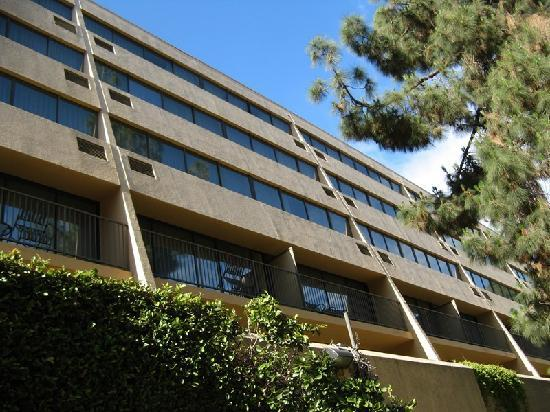 Sheraton Pasadena - Exterior