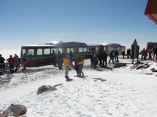 cog railway top of pikes peak