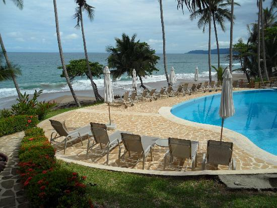 Tambor, Costa Rica: View of the pools next to the beach.
