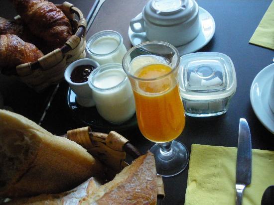 La Maison Du Lierre: 朝食です