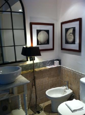 La Torretta: bathroom in junior romantic suite- shower to the left