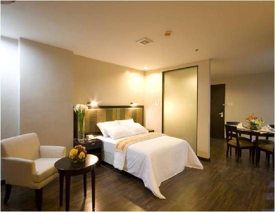 Baguio Burnham Suites Hotel : A Suite Room I was able to capture