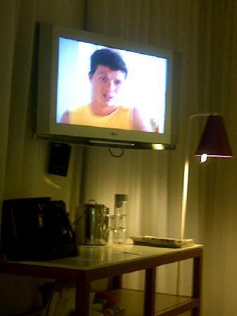 Interior - Shore Club South Beach: TV