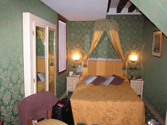 Venetian Style venetian style wall paper - picture of santa marina hotel, venice