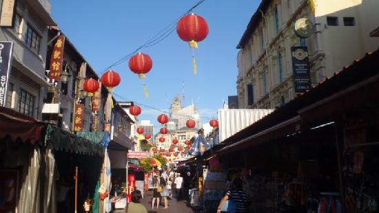ไชน่าทาวน์: Blick in eine Straße Chinatowns