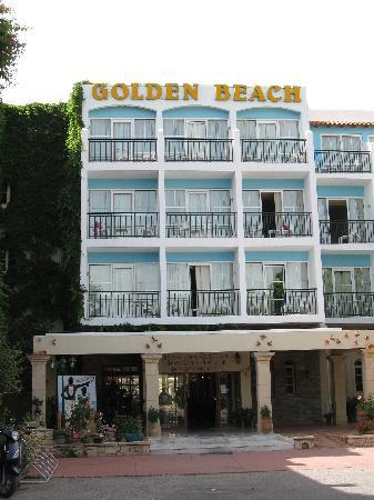 Golden Beach Hotel: Hotel front
