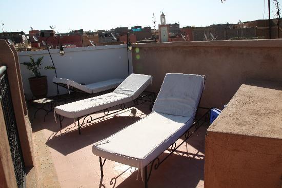 Riad Baba Ali: terrasse bronzette