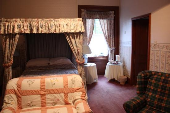 Mansfield Castle Hotel: Our room- a standard double!