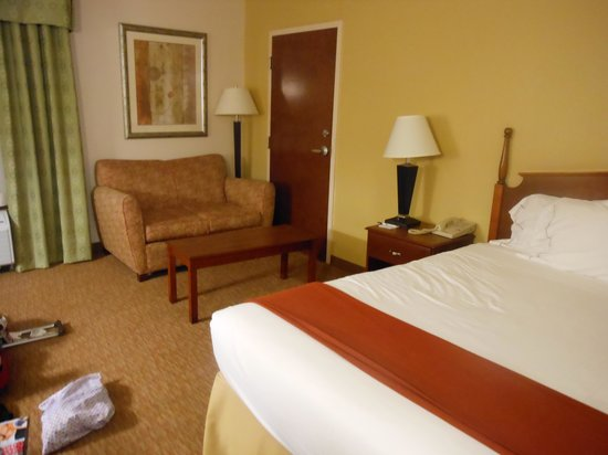 Holiday Inn Express Durham : My lovely bedroom
