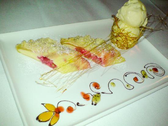 Gala Restaurant: Apple strudel