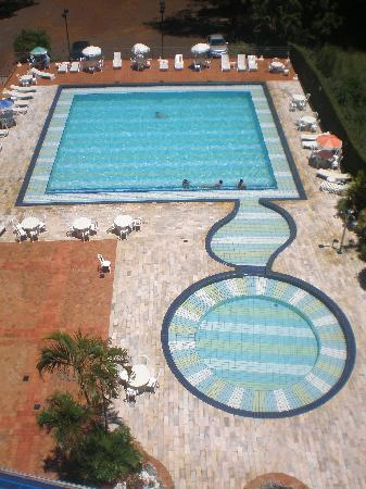 Falls Galli Hotel: Piscina