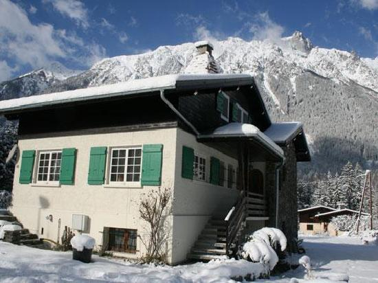 Chalet Les Pelerins: Close to town yet peaceful