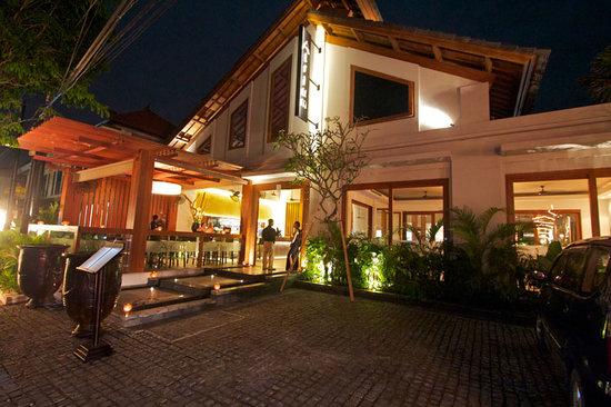 Atrium Restaurant and Bar